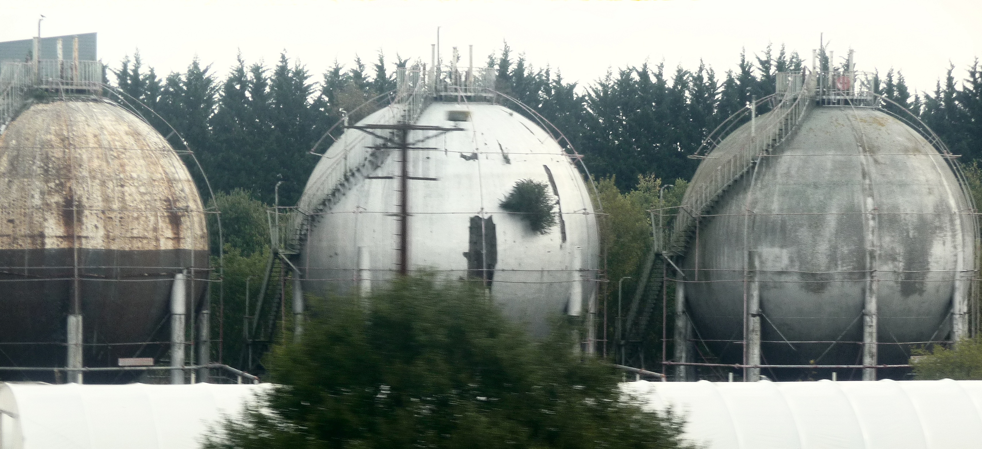 Hitchin spherical gas holders � Bob Carr