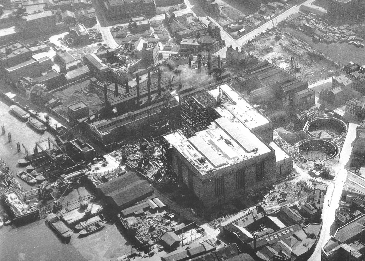 Bankside power station under construction, March 1952 (© Simmons Aerofilms)