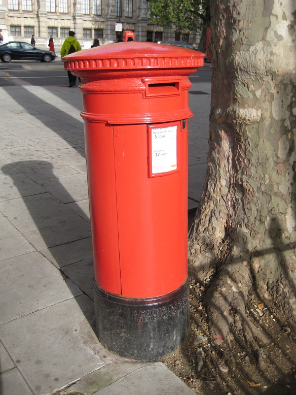 'Anonymous' Handyside pillar box, corner Thurloe Place/Square, SW7. � Robert Mason 2013