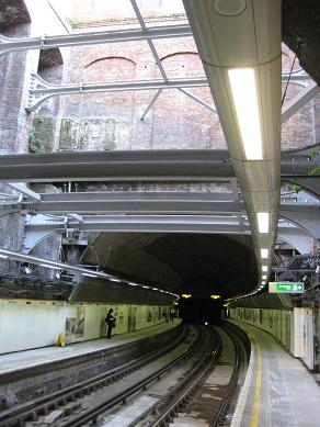 Thames Tunnel, Wapping station. � Robert Mason, 28.3.12